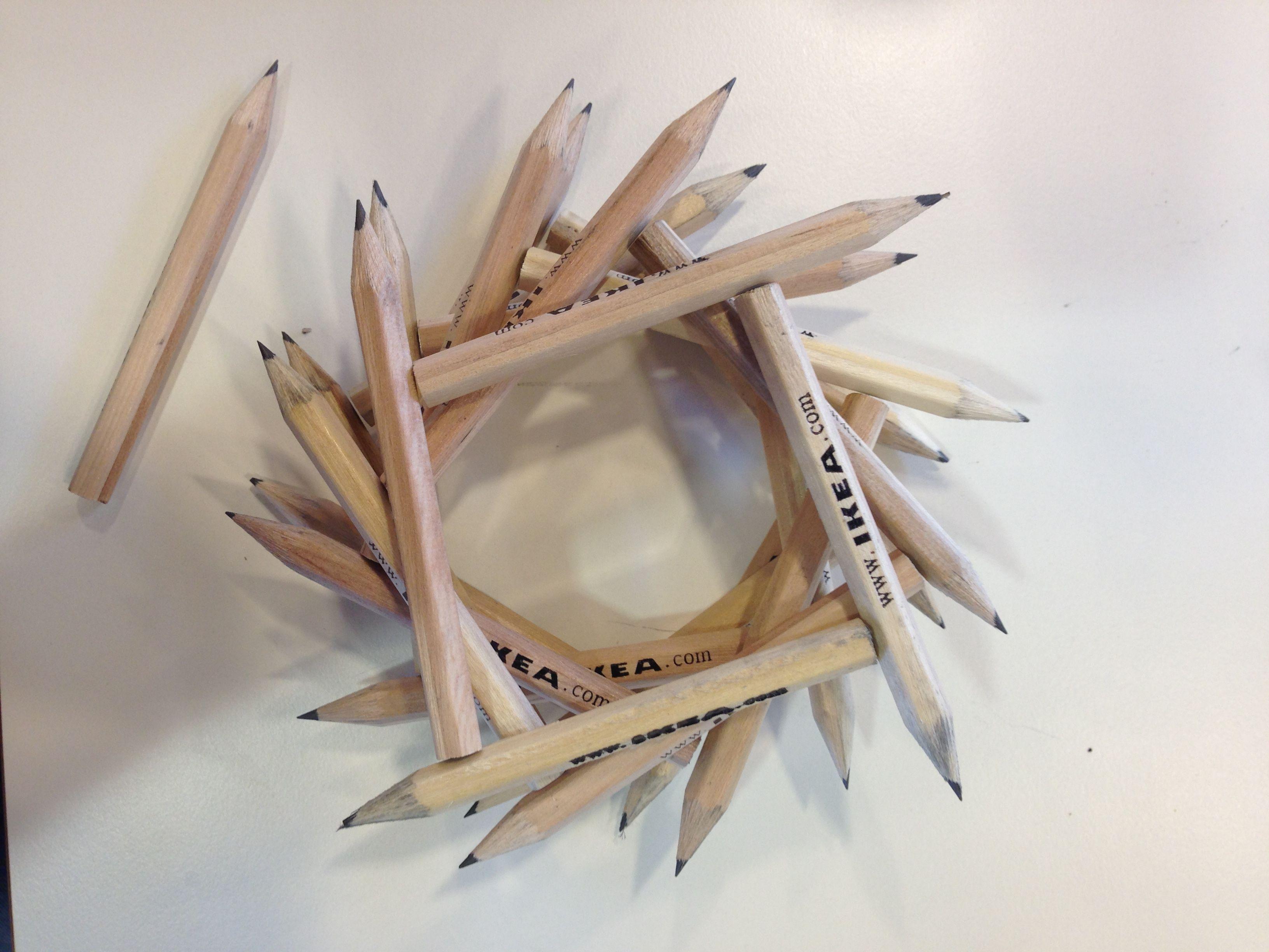Карандашики икея, сложенные с изломом