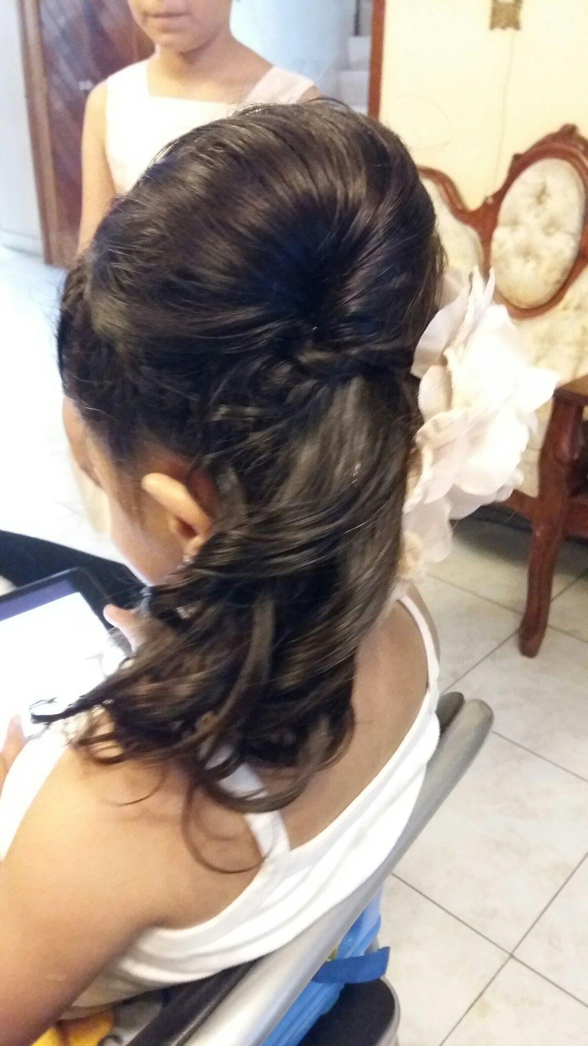 Peinado cascada con trenza y tupé.  Por DaliMulChic.