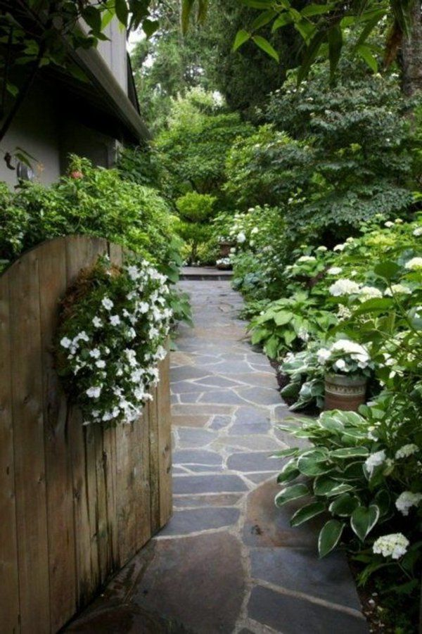 Schicke Gartenwege aus Naturstein oder Zement für den Garten - gartenplanung beispiele kostenlos