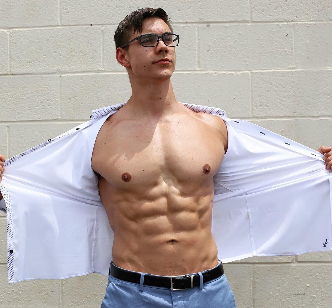 Actores Porno Españoles Bodybuilder suited