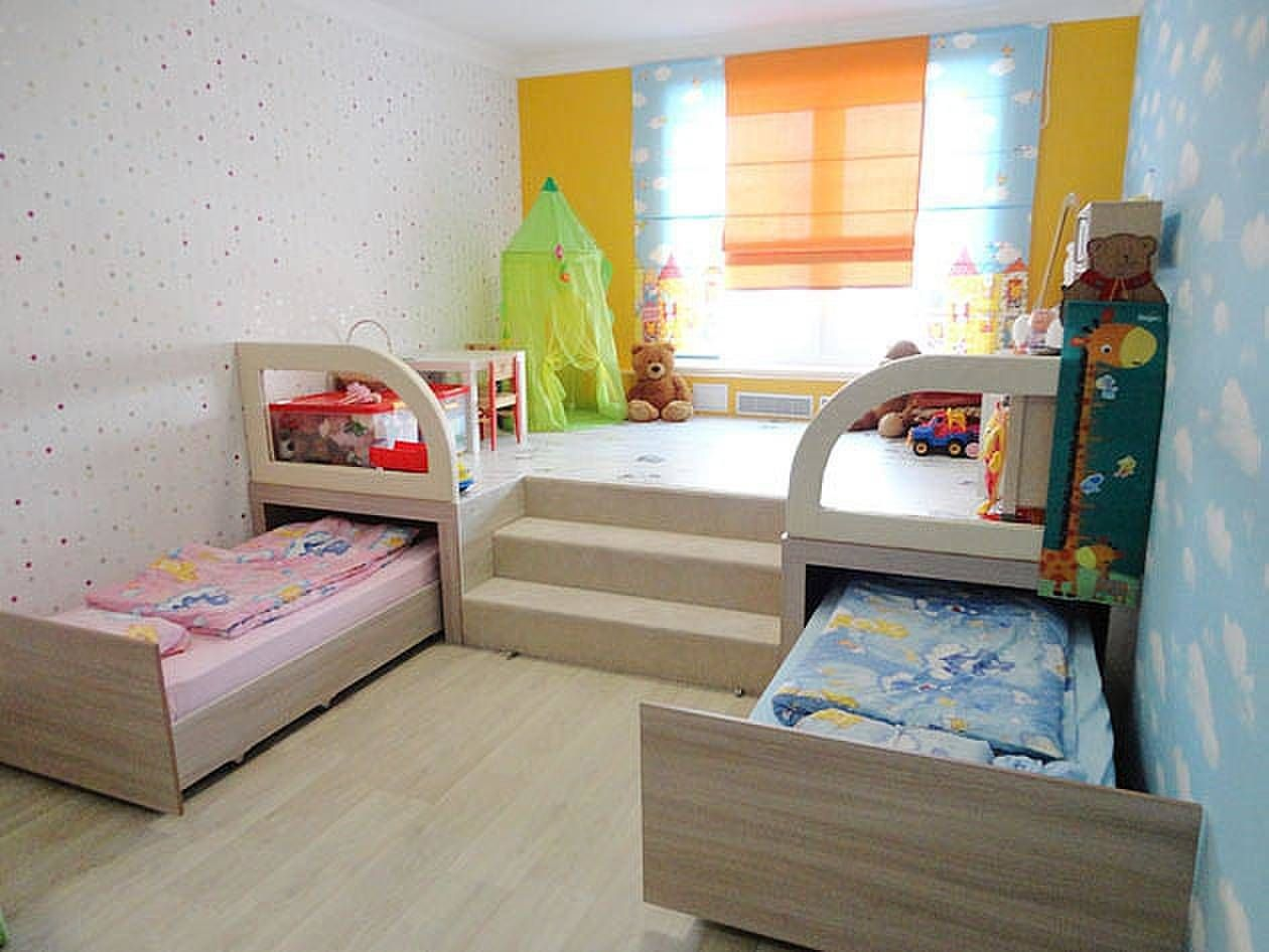 Фото детской комнаты для 2 детей в маленькую комнату