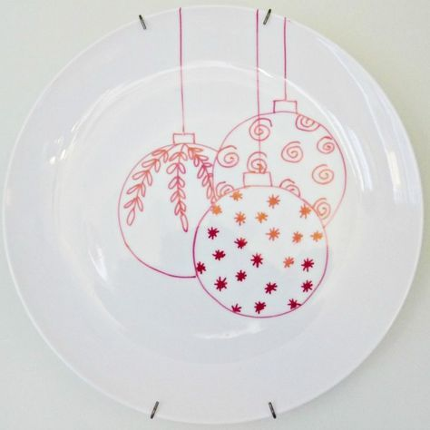 Christmas sharpie plates #sharpieplates