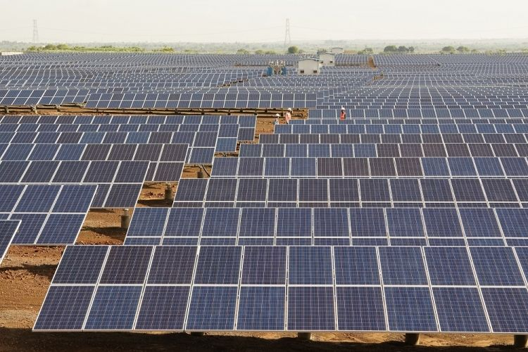 Indian Utility Scale Solar Tariffs Expected To Breach Four Rupees In 2017 Bridge To India In 2020 Solar Solar Panels For Home Best Solar Panels