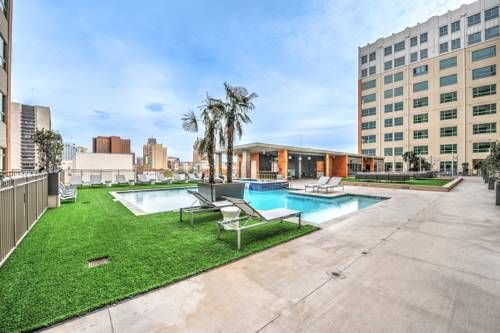 Santa Rosa Avenue Apartment By Stay Alfred San Antonio Texas Set In San Antonio 1 Km From River Walk Santa Ro San Antonio Vacation Vacation Rental Vacation