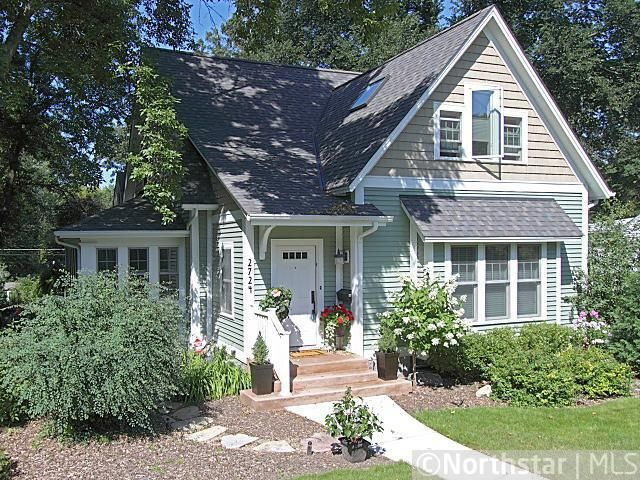 Cape cod bungalow transformed inspiration for my parents for Craftsman cape cod