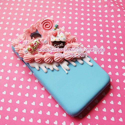 wholesale dealer 59c87 9fc3a Half Whipped Cream Kawaii Decoden case with Sweet Cabochon | Other ...