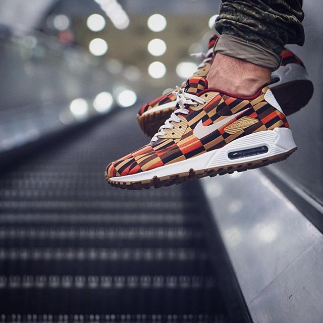 info for cb7fa 37c06 Nike Air Max 90 x Roundel London Underground | shoes | Nike ...