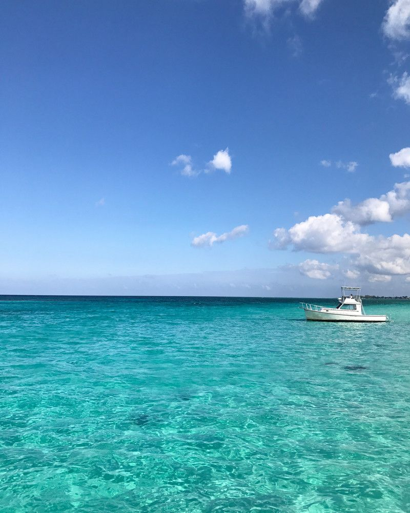 The Ultimate Grand Cayman Guide