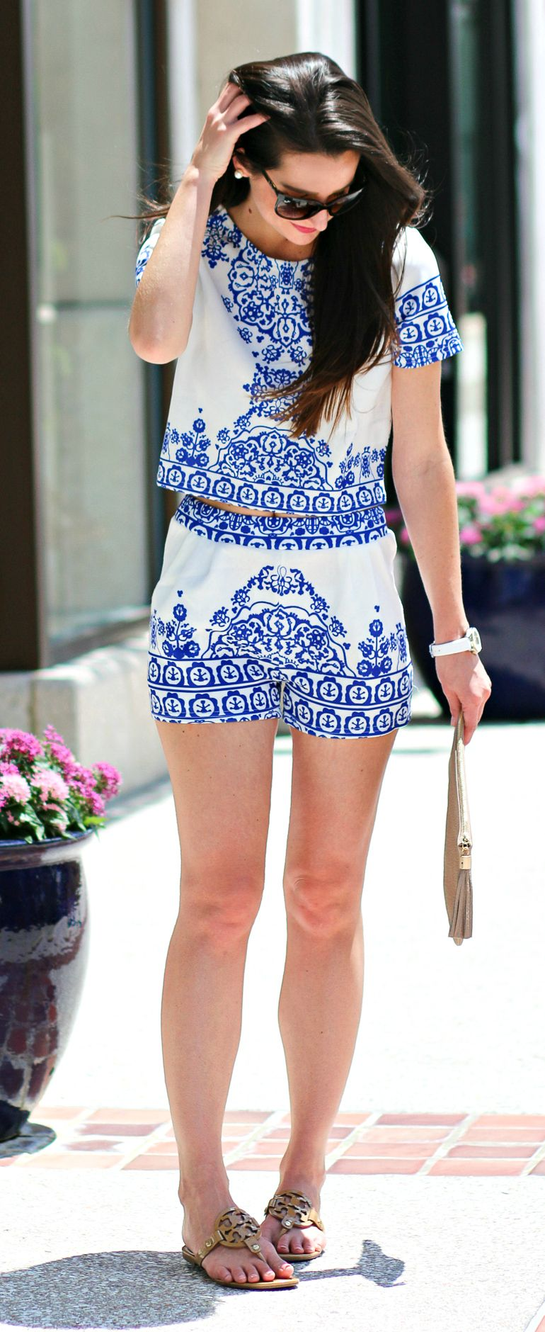 eccde8b8e30492 Blue porcelain print crop top and shorts set with sand Tory Burch Miller  sandals