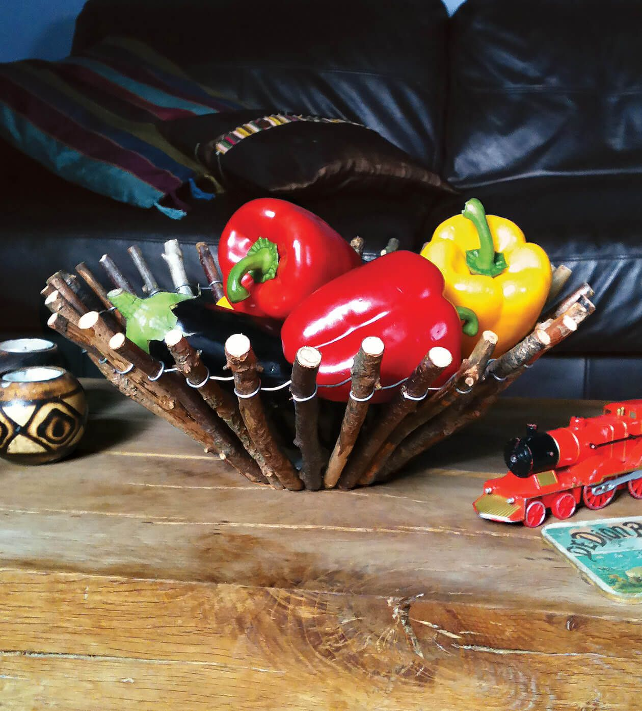 How To Turn Scavenged Sticks Into A Centrepiece Fruit Bowl Rustic Bowls Diy Bowl Recycled Crafts