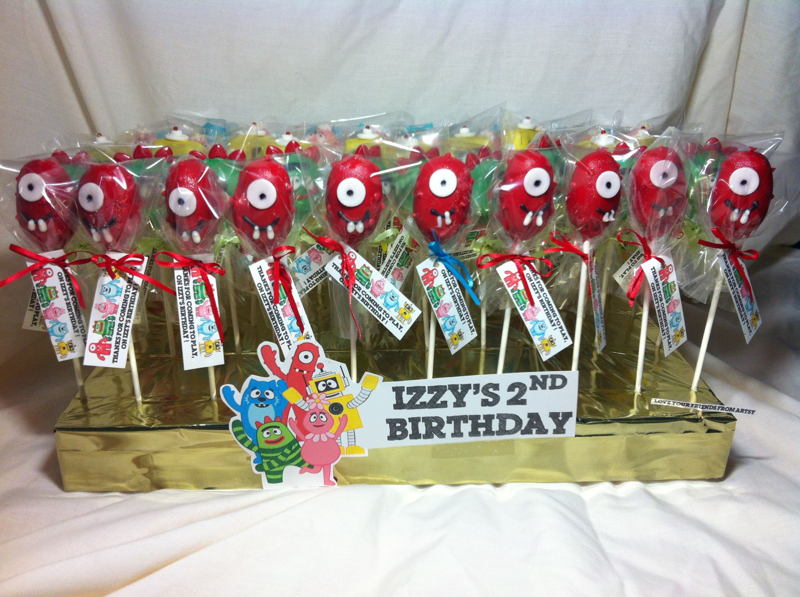 Izzy's 2nd Birthday  Cakepops made with L♥VE by your ladies from ArtSy! #cakepops #sweets #artsycc