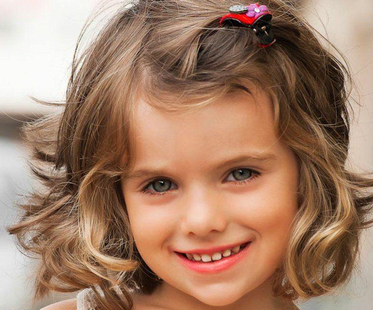 Coiffure Facile Pour Petite Fille Attachez Les Cheveux Et Ca Y Est