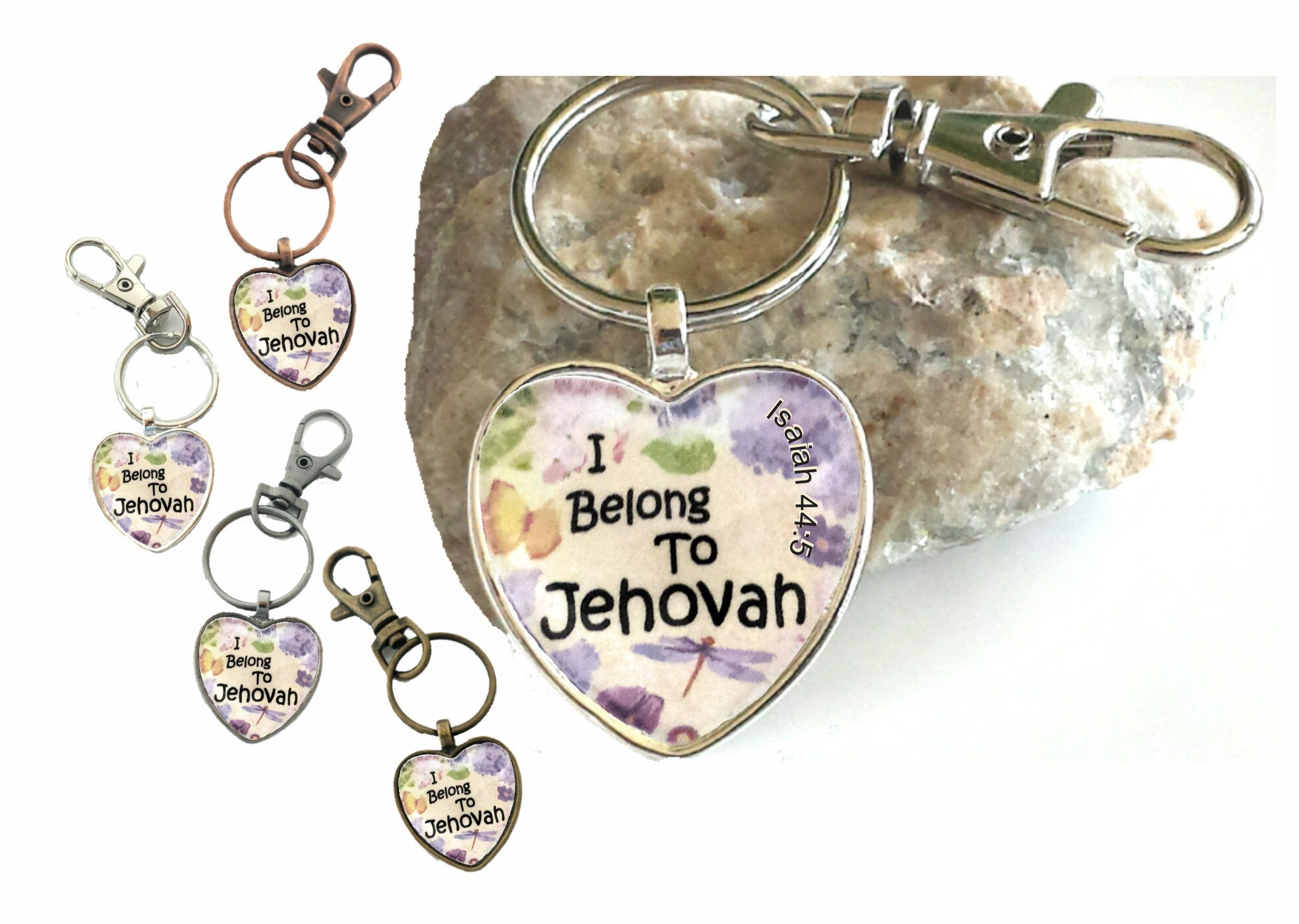 Chihuahua Gift Keyring Dog Key Ring heart shaped Birthday gift Mothers Day Gift