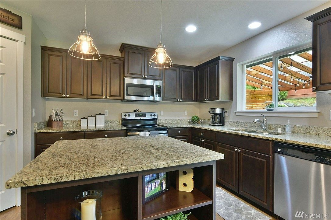 23966 Nookachamp Hills Dr Mount Vernon Wa 98274 Mls 1594073 Zillow Large Living Room Gorgeous Kitchens Mount Vernon