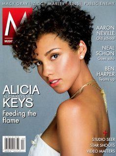 Cabelo curto com cachos   - Alicia Keys