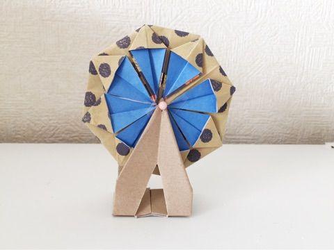 子供と一緒にチャレンジしてみましょう 折り紙で作る可愛くて動く観覧車の作り方 折り紙 Diy ハンドメイド クラフトのアイデア