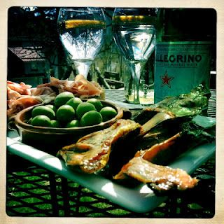 simple lunch in the garden...