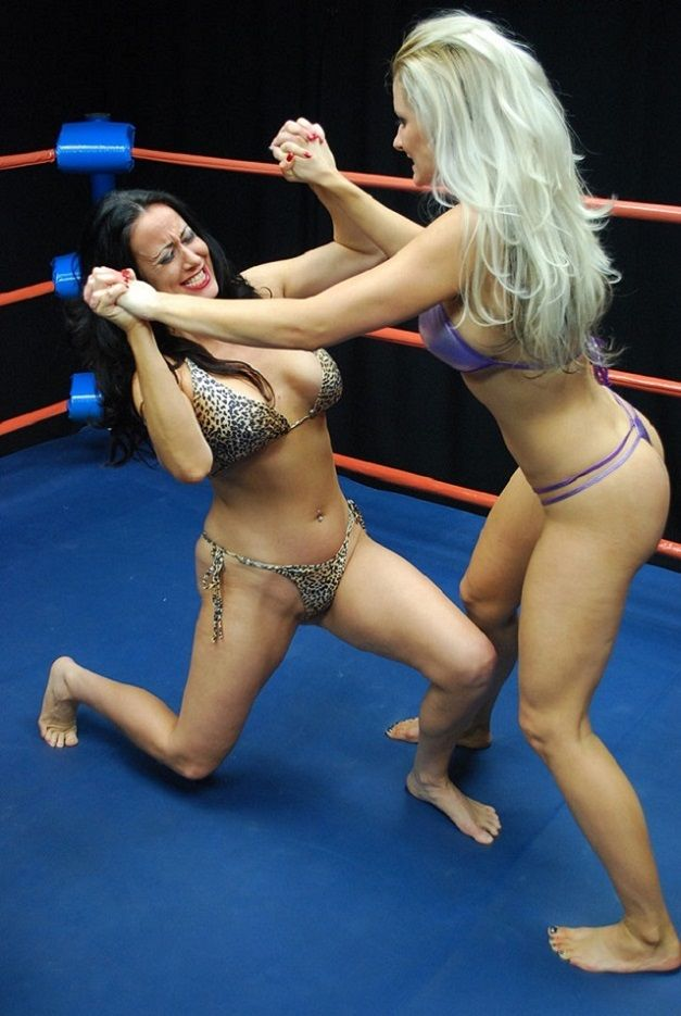 Catfight blonde submission