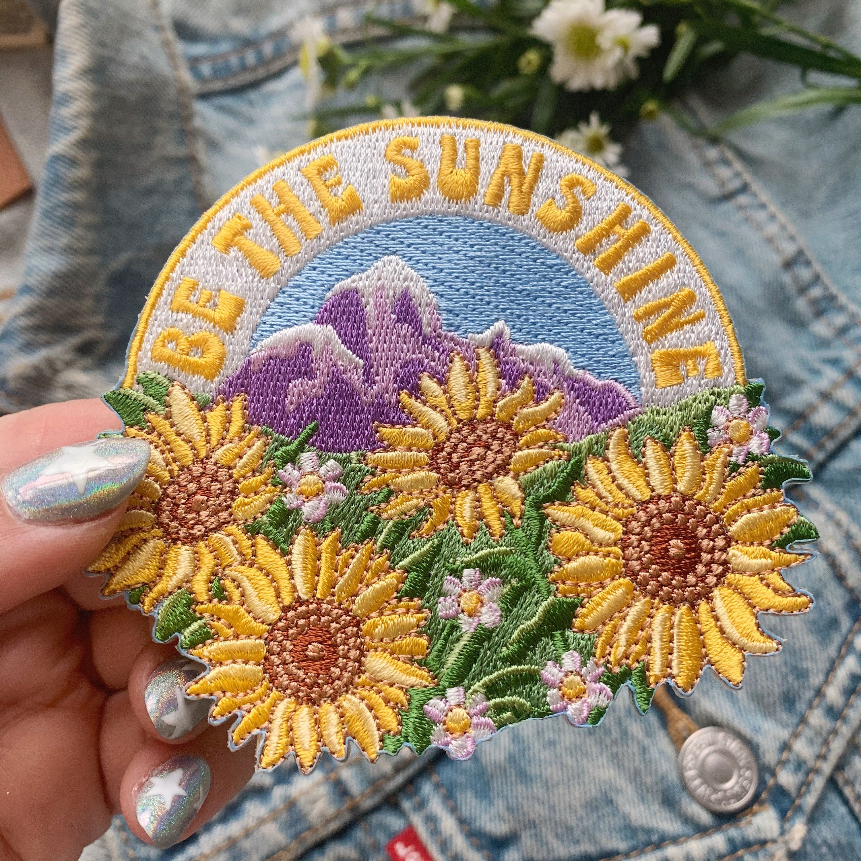 Wild Patch Mountains Patch Iron-On Patch Embroidery Embroided Applique Applique Motif Gift Hiking Explore