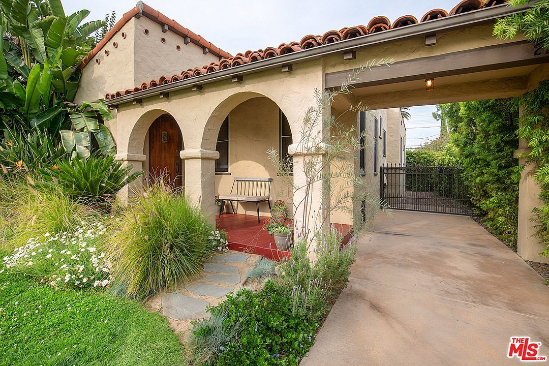 2214 Selby Ave Los Angeles Ca 90064 In 2020 Spanish Exterior Open Concept Floor Plans Architecture House