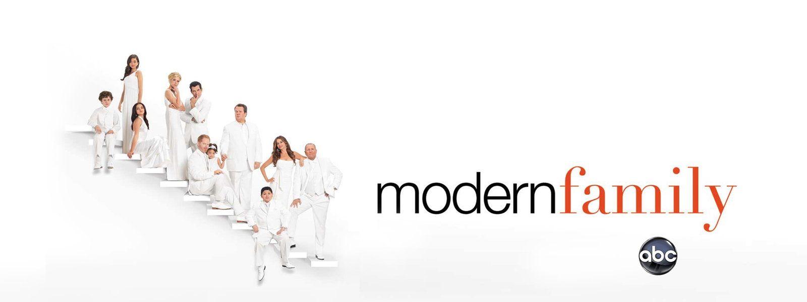 Watch Modern Family Online Hulu Plus Modern Family Family Tv Series Family Tv