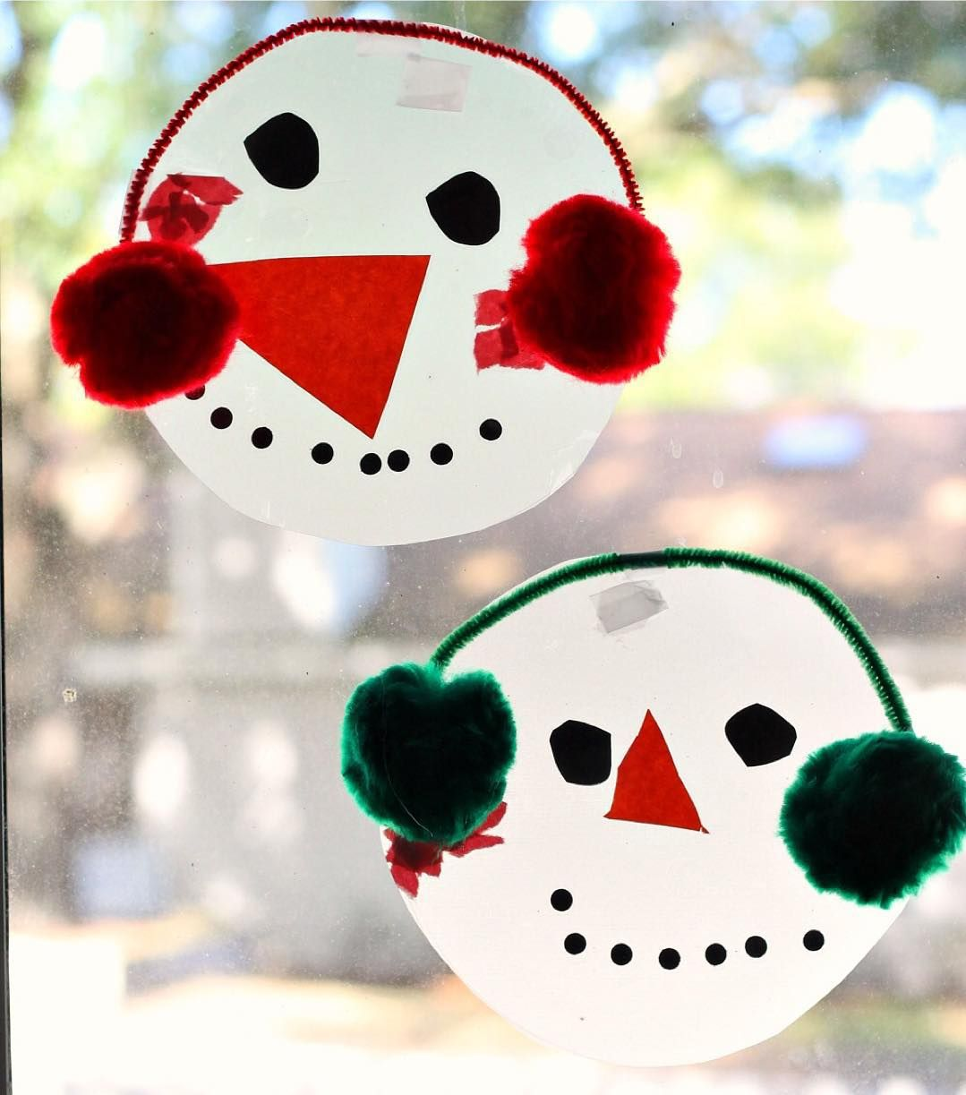 Here S A Fun And Easy Snowman Window Craft That Your