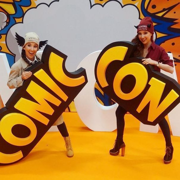 Amazing time appearing at @MCMComicCon in Dublin!☘ We are having a blast!  Come meet us! 😄 #MCMDUB16 #TheHillywoodShow