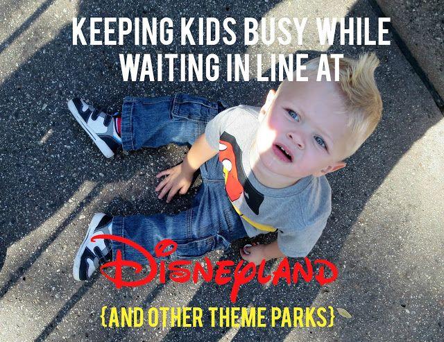 Photo of Halten Sie Kleinkinder beschäftigt, während Sie in Disneyland (und anderen Themenparks) in der Schlange stehen – Sunshine und Munchkins