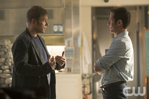 """The Tomorrow People -- """"Endgame"""" -- Image Number: TP117b_0231.jpg -- Pictured (L-R): Mark Pellegrino as Dr. Jedikiah Price and Jeffrey Pierce as Roger -- Photo: Katie Yu/The CW --  ©2014 The CW Network, LLC. All rights reserved."""