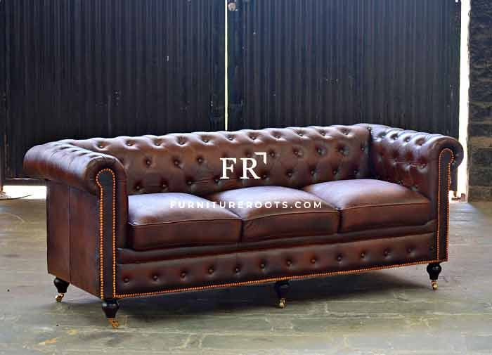 Old-Fashioned Chesterfield Sofa | Leather Furniture India ...