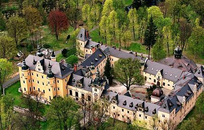 Kliczkow Castle -booked our trip with another family to go here in May.. happy to start my polish pottery collection.