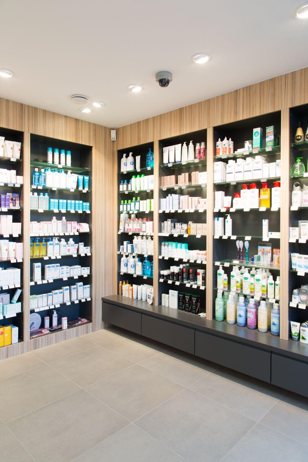 Apotheek pharmacy inrichting design schevenels projects interieurs arspharma maatwerk