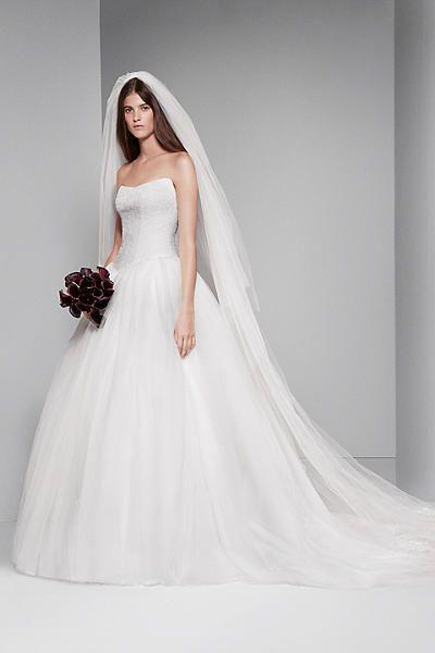 White By Vera Wang Chantilly Lace Wedding Dress VW351135