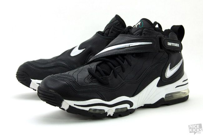 7c068edefb Griffey Air Max 3. Favorite shoes of all time! Wish they would do a re-run  so bad.