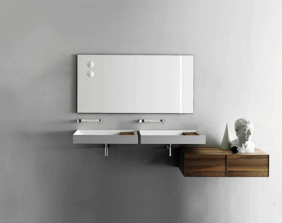 I mobili e i sanitari per il bagno interiors