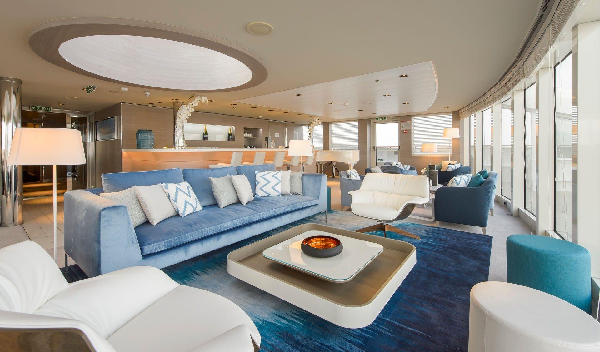 Un salon du navire Lyrial, compagnie du Ponant - croisière de luxe ...