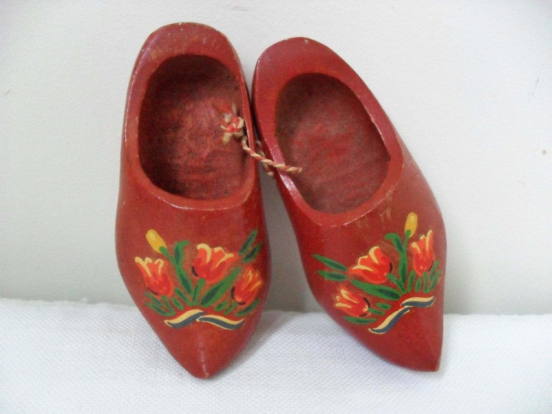 Red Souvenir Holland Vintage Miniature Dutch Clogs Shoes