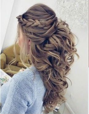 Such Beautiful Details In This Gorgeous Wedding Day Hairstyle