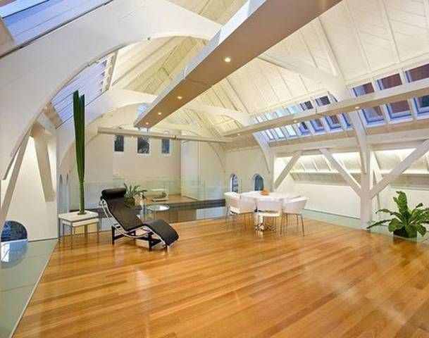 http://img.allvoices.com/thumbs/event/609/480/18955602-amazing-house.jpg