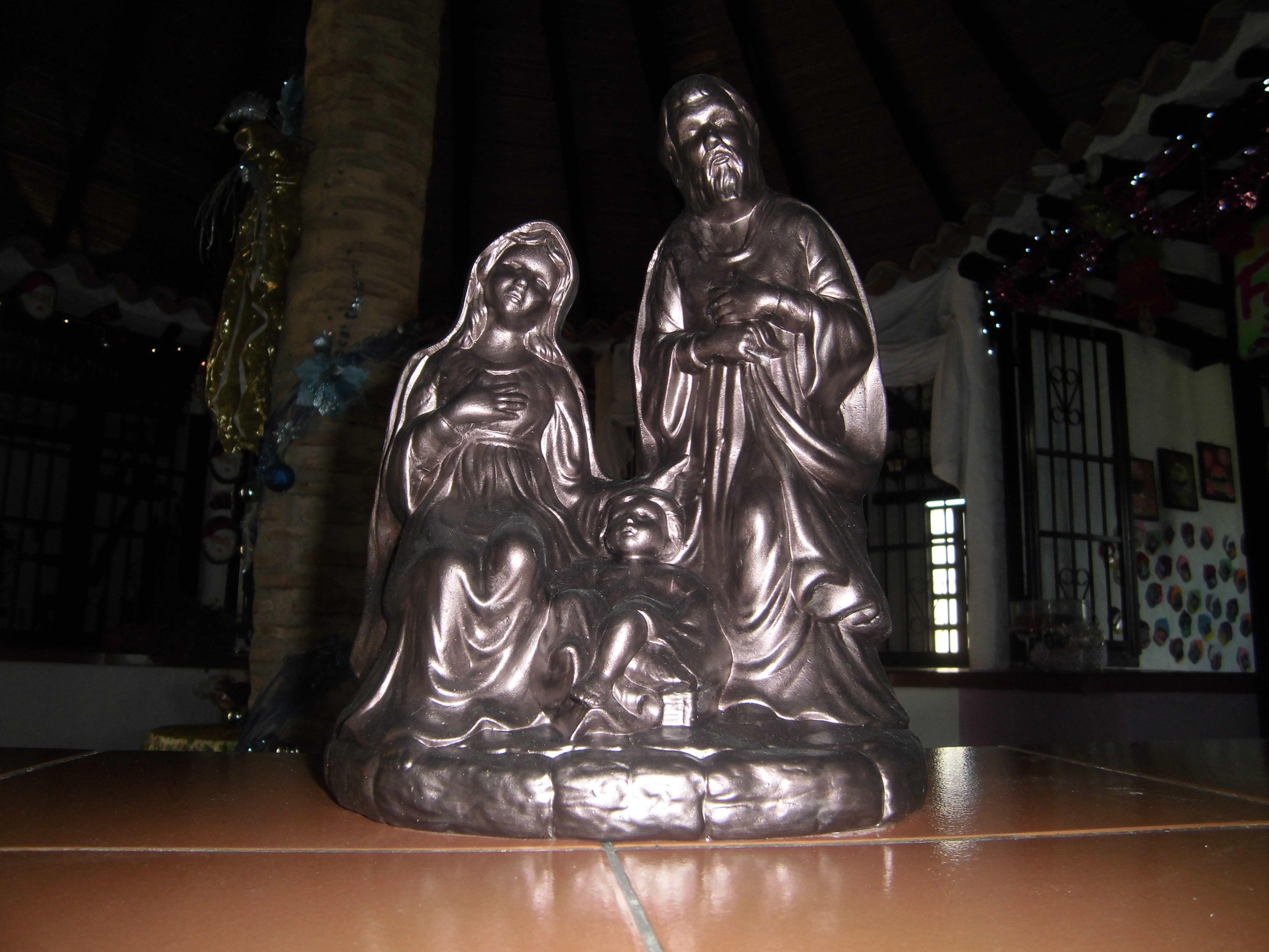 La sagrada familia en bronce