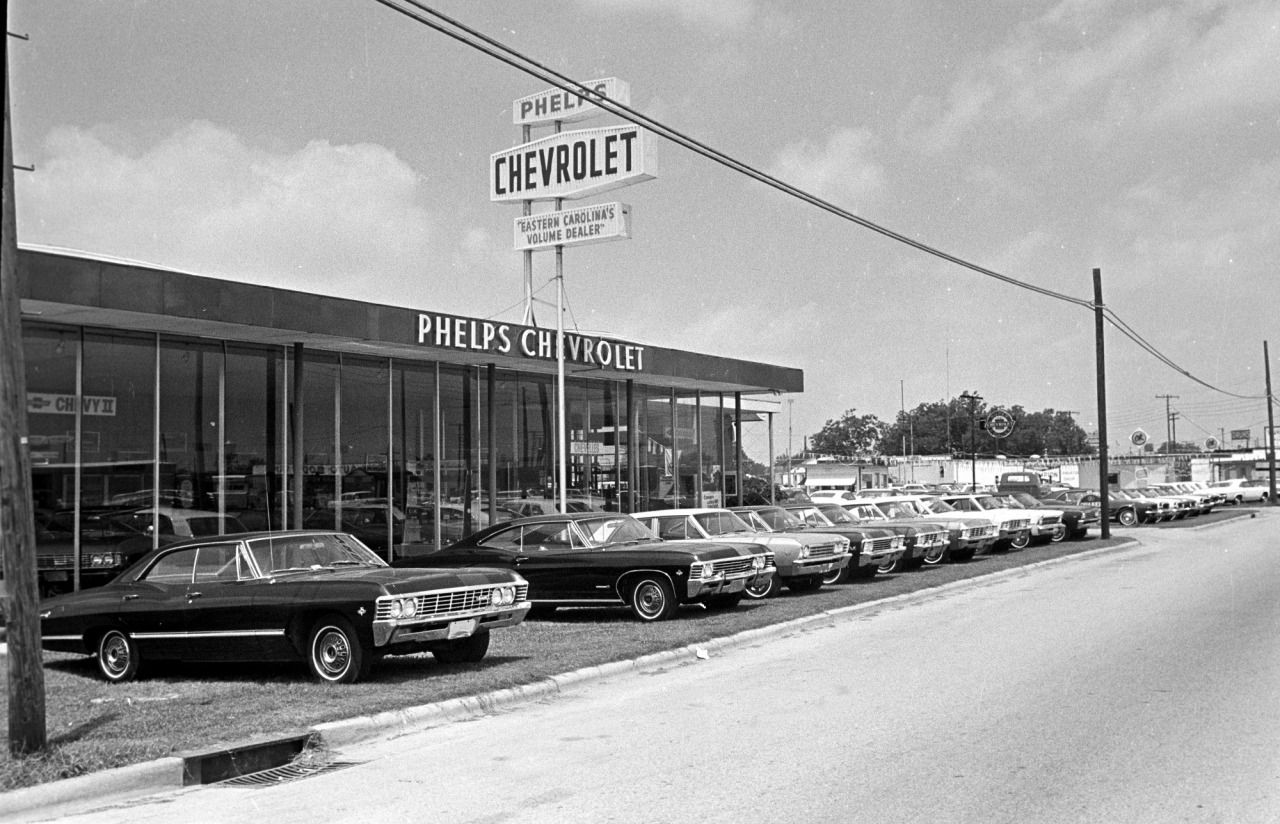 Volume Dealer 1967 Impala Front Line And A Chevelle Chevy Ii Or Two Chevrolet Dealership Chevy Dealerships Chevrolet Parts