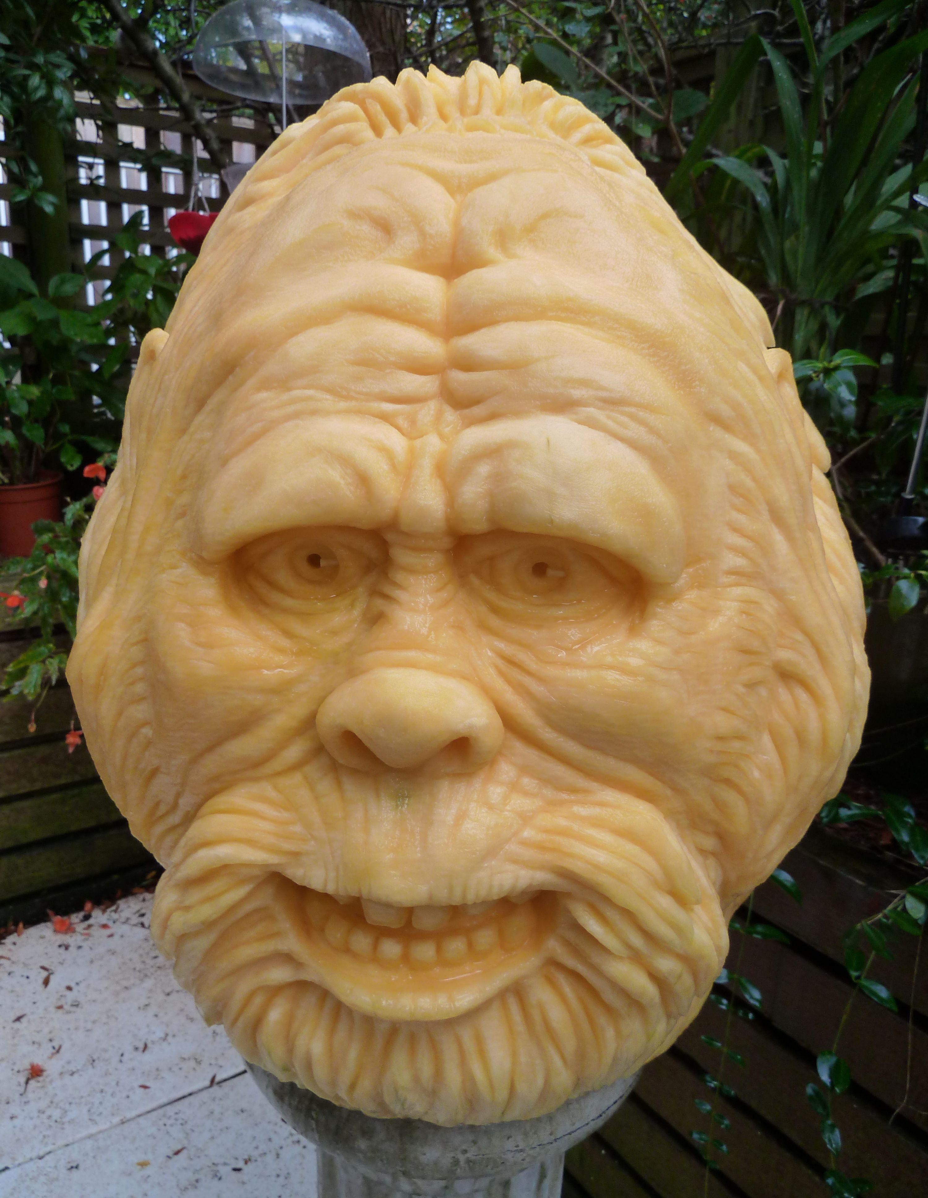 Sasquatch Pumpkin Carving By Clive Cooper Pumpkin Carving By - Mind blowing pumpkin carvings by ray villafane 2