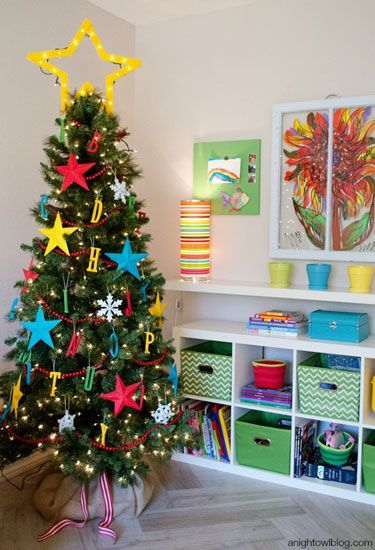 60+ Stunning New Ways to Decorate Your Christmas Tree Bold colors