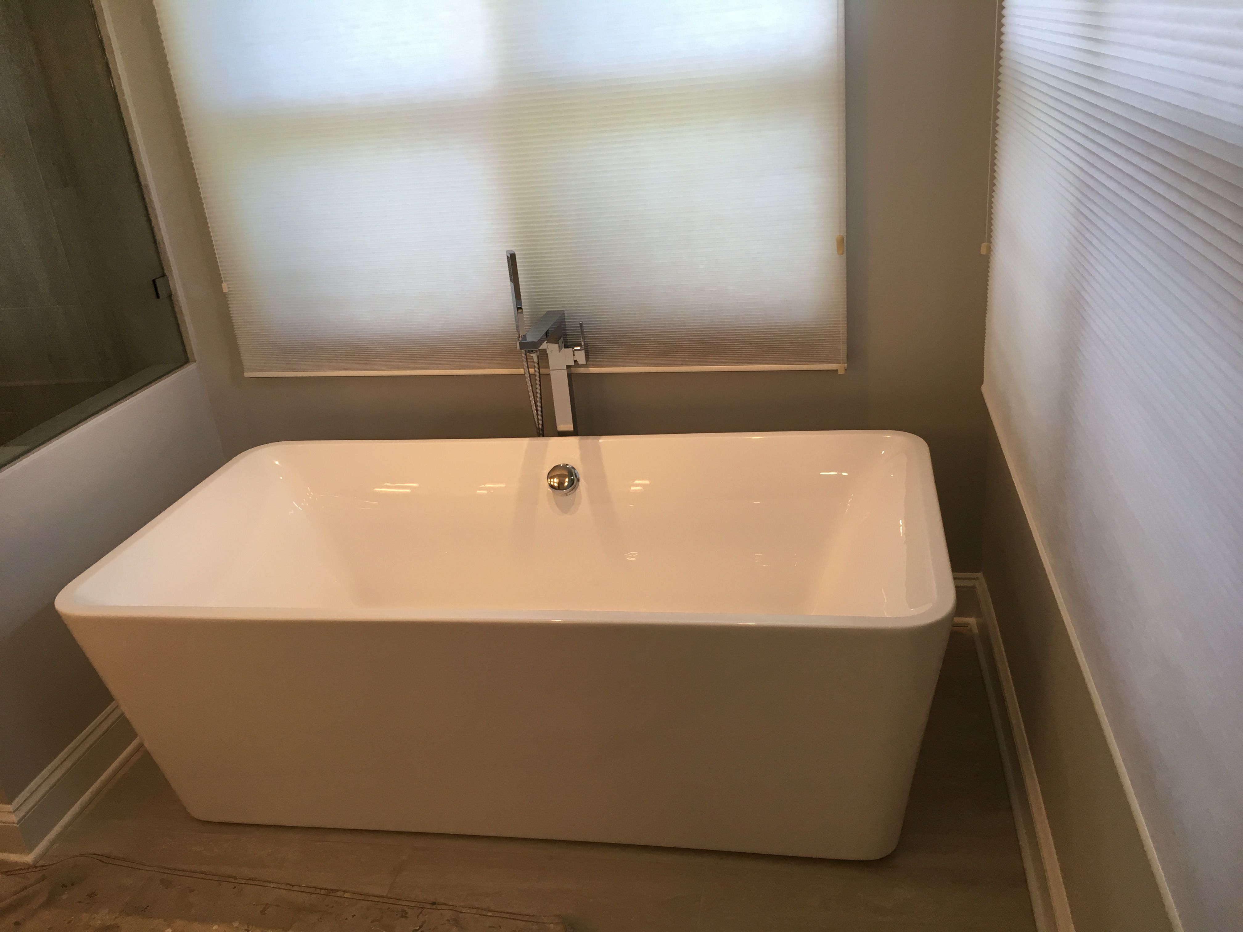 Self Standing White Tube With Chrome Faucet.For Estimate Call (773 ...