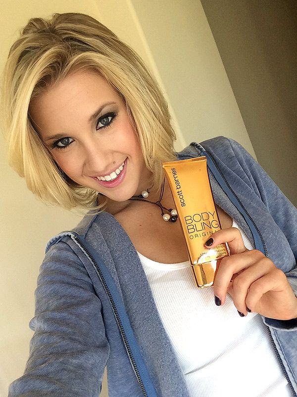 What We Re Ing Savannah Chrisley S Favorite Bronzer And Angela Simmons Go To