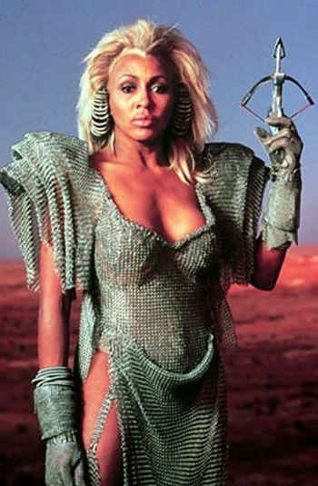 Tina Turner -Mad Max 3, más allá de la cúpula del trueno (1985)