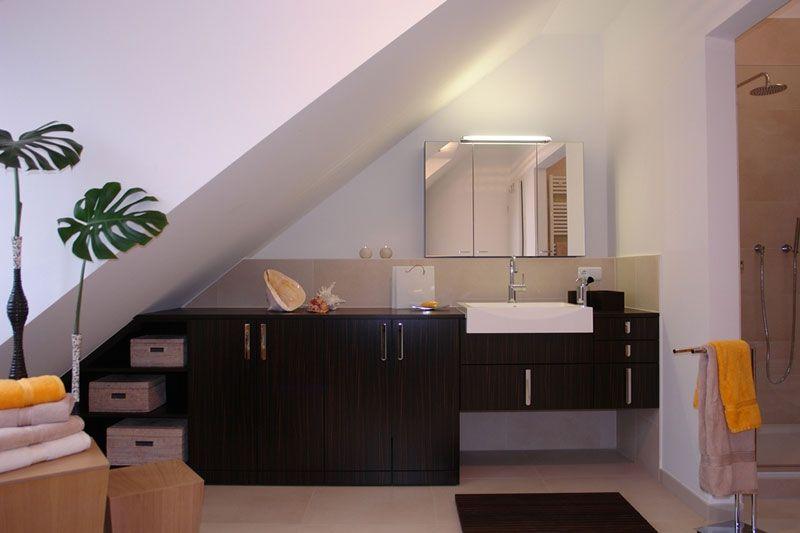 schrank fuer waschmaschine und waeschetrockner foto. Black Bedroom Furniture Sets. Home Design Ideas