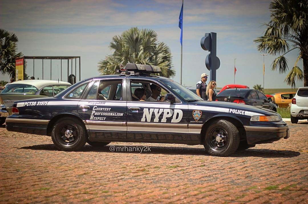 Nypd Pct38 31975 92 Ford Crown Victoria Classic Police Cars