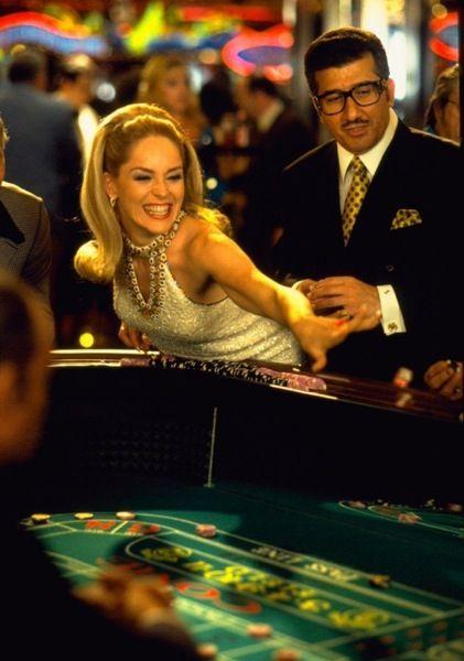 Казино шерон стоун онлайн можно заработать деньги казино