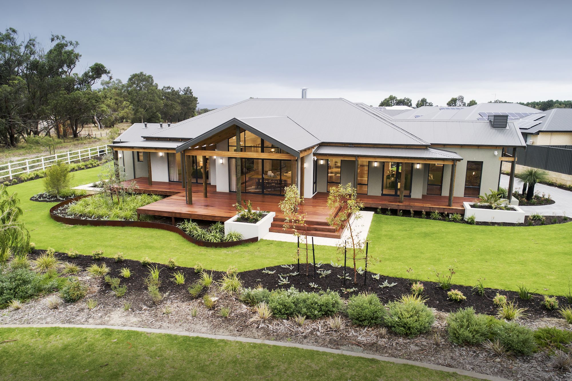 Display Homes New Home Builders Wa Country Builders In 2020 Country Home Exteriors Country Builders House Exterior